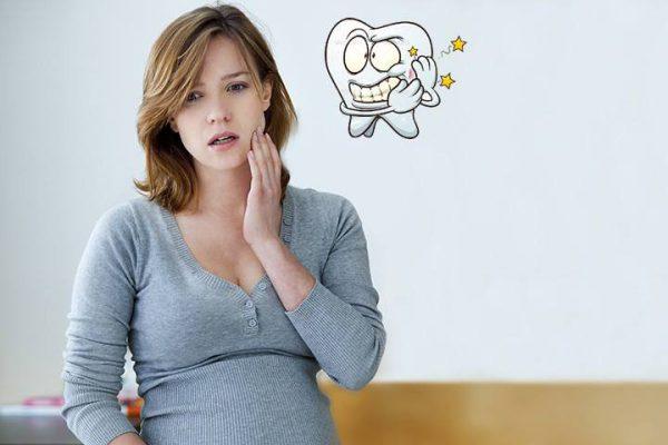 Phụ nữ đang mang thai không nên nhổ răng hàm