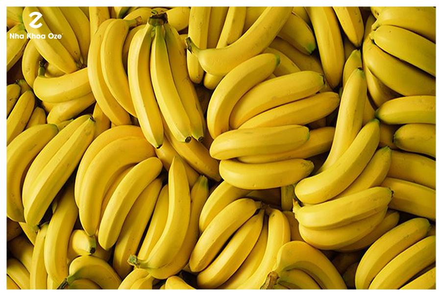Vỏ chuối chứa nhiều dưỡng chất tốt làm trắng răng