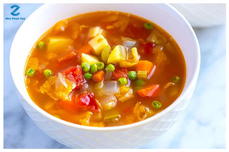 Một bát súp giàu dinh dưỡng giúp bạn nhanh chóng hồi phục sau khi nhổ răng khôn