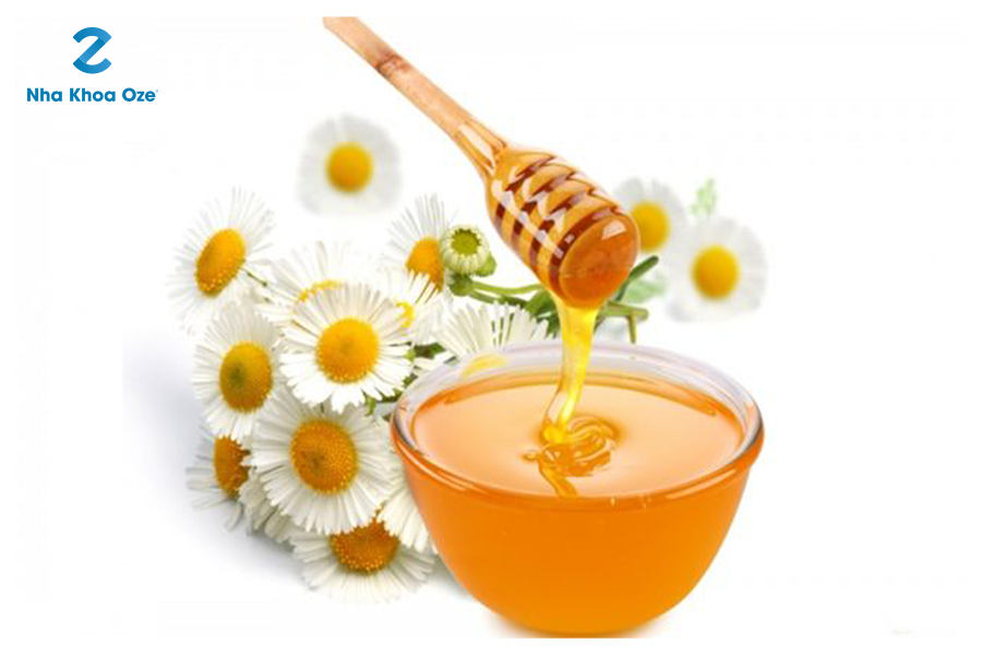 Ảnh minh họa trị nhiệt miệng bằng mật ong