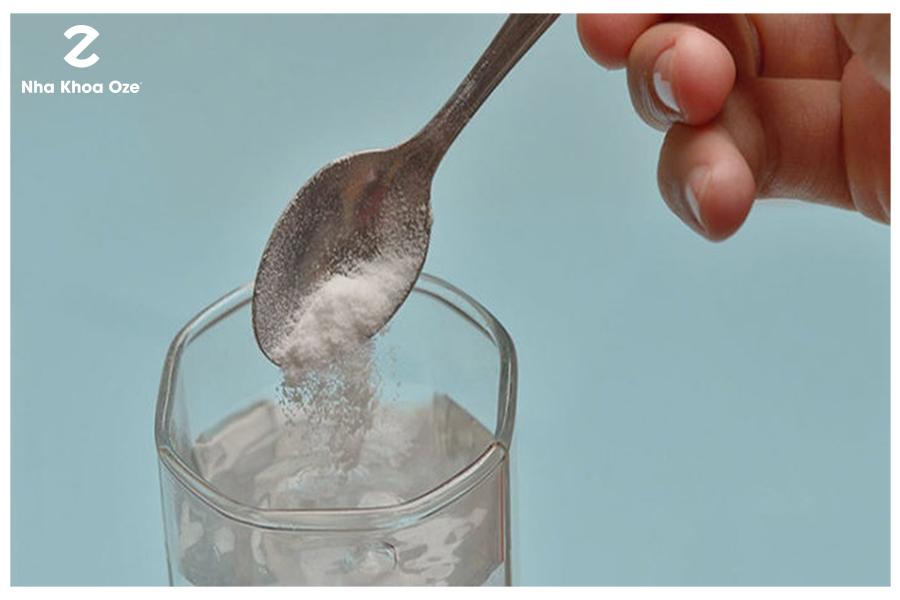 Nước muối cũng là phương pháp trị sún răng ở trẻ