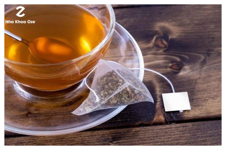 Cách chữa viêm lợi bằng túi trà xanh