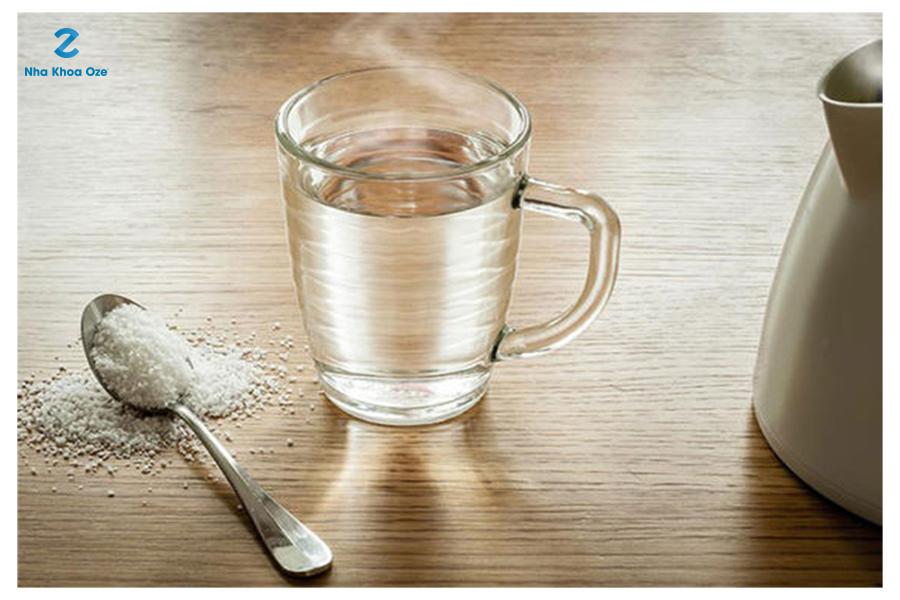 Giảm đau răng khôn với nước muối
