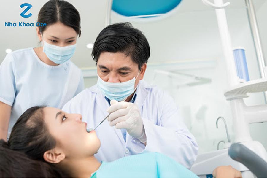 Sau khi nhổ răng khôn bác sĩ sẽ hẹn lích tái khám
