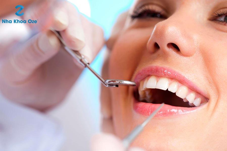 Lấy cao răng để hạn chế sự phát triển của viêm nha chu