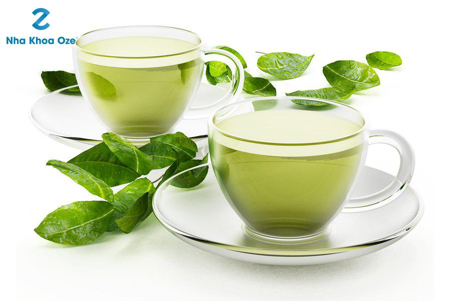 Có thể diều trị tình trạng tụt lợi bằng trà xanh