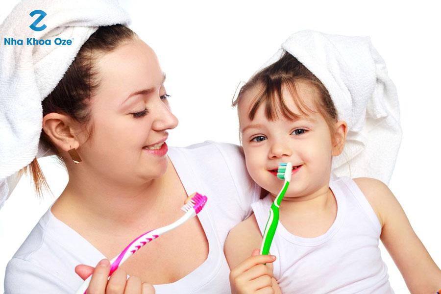 Chăm sóc răng sữa của bé thật kỹ và đúng cách
