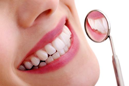 Với công nghệ hiện đại thì bọc răng sứ không gây đau đớn
